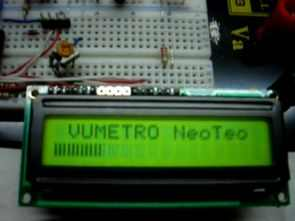 Level indicator with LCD VU Meter PIC16F877