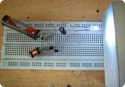 3V LEDs run on 1.5V batteries