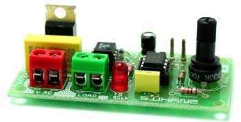 220V Isolated Light Flasher Circuit