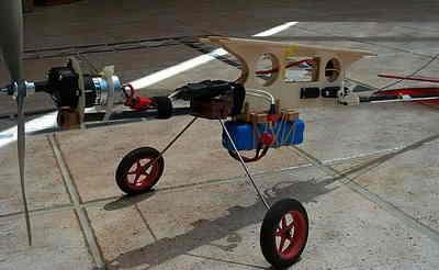 Brushed Motor ESC  PIC12F675 PWM