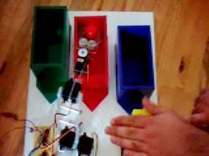 Dự án cánh tay Robot phát hiện màu PIC16F84 với Jal
