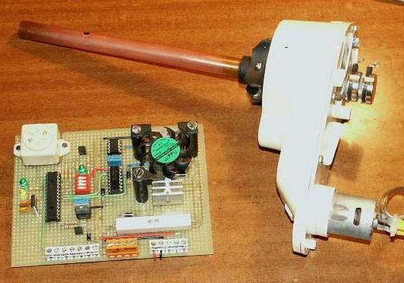 robot-servomotor-controlled-i2c-bus-through-mid-range-pic-microcontroller