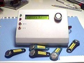 PIC 16F84 ile Lcd Göstergeli Dallas iButton Kontrolü