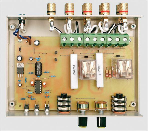 Stereo-Headphone-Adaptor