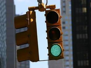 PIC16F877 ile Yol Kavşağı İçin Trafik Işığı Modeli