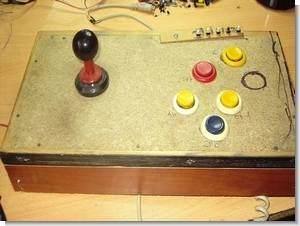 Emülatör için el yapımı arcade joystick