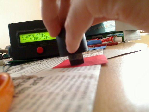 Color Sense Circuit LCD PIC16F877 Picbasic Pro renk algilayici kirmizi test