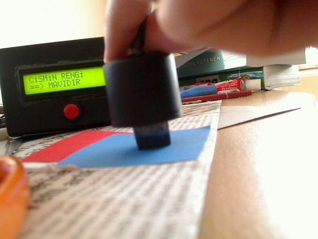 Color Sense Circuit LCD PIC16F877 Picbasic Pro renk algilayici mavi test