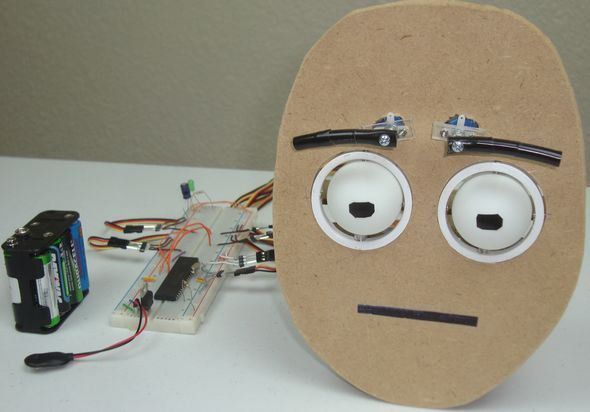robot-mdf-servo-robotic-eye