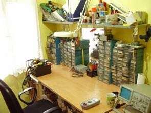 Elektronik Atölyesinde Malzeme Düzeni Çekmeceler