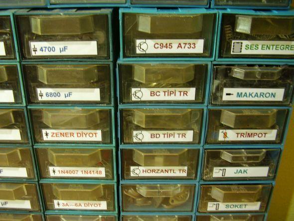 elektronik-komponent-malzeme-cekmecesi-transistorler-diyotlar
