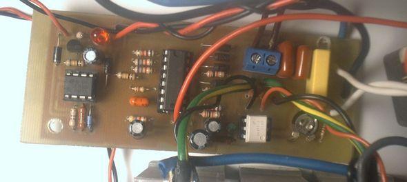power-inverter-12v-220v-electrical-changes-current