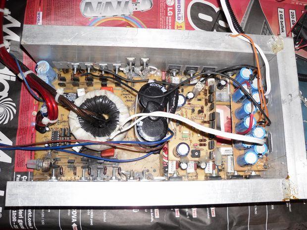 av800-amp