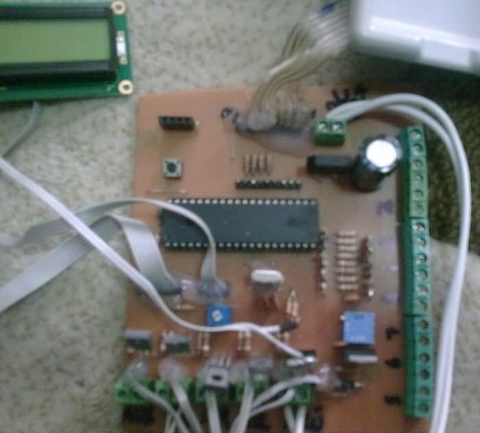 alarmli-sifreli-guvenlik-sistemi-projesi-pic16f877-mikrodenetleyici-2 3