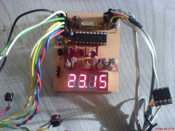 16f84-16f628-dijital-saat-termometre-7-senment-led