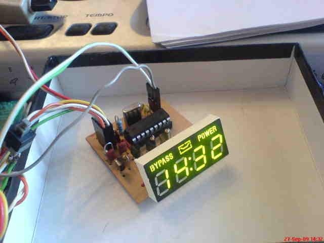 16f84-16f628-dijital-saat-termometre